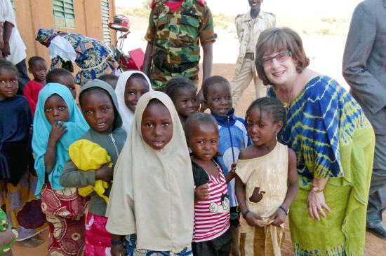 Robin with a group of Liboré kids