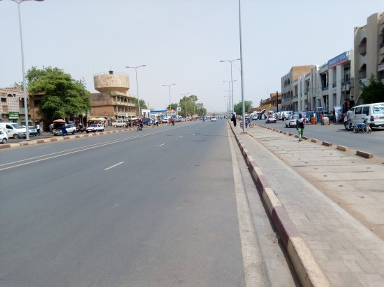 even if Niamey is cloosed, inside of the town, people are free to conduct their works.